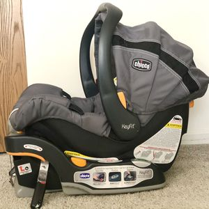 Chicco Keyfit Infant Car Seat for Sale in Strongsville, OH