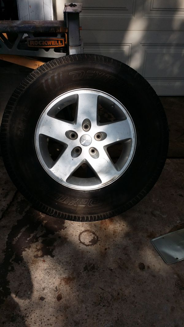 JEEP WHEEL Lt265 70 R17 only 1 left*****(BEST OFFER)***** North East SA TX 78233 Valencia neighborhood
