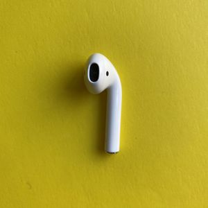 Apple AirPods Generation 1 Left AirPod -Offer! for Sale in Paradise Valley, AZ