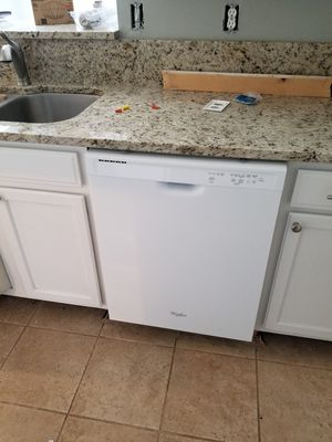 WHIRLPOOL WHITE DISHWASHER for Sale in St. Augustine, FL