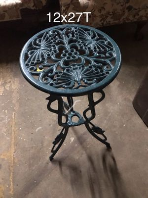 """12x27""""T green iron table, looks brand new for Sale in West Chester, PA"""