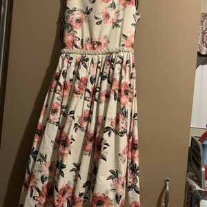 Size 14 Young Girls Dresses. for Sale in Perris, CA