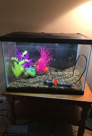 20 gallon fish tank kit for Sale in Charles Town, WV