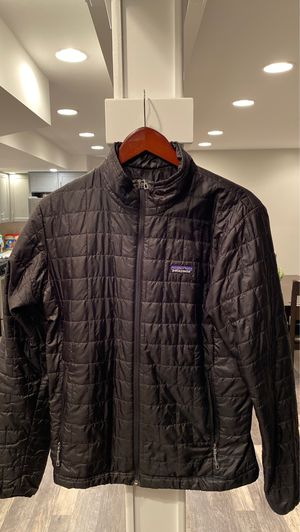 Patagonia black jacket for Sale in Chicago, IL