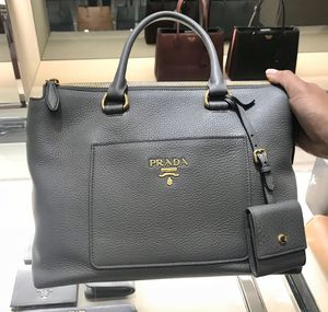 Prada purse grey. Authentic brand new never used for Sale in Flossmoor, IL