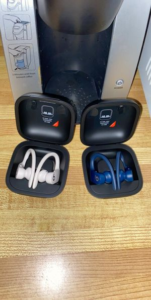 PowerBeats Pro (Ivory White/Navy Blue) for Sale in Sterling, VA
