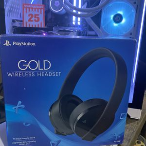 Playstation gold wireless headset for Sale in Houston, TX