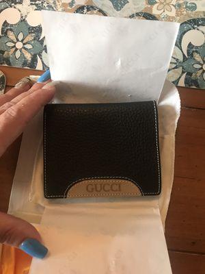 Gucci wallet for Sale in Hackensack, NJ