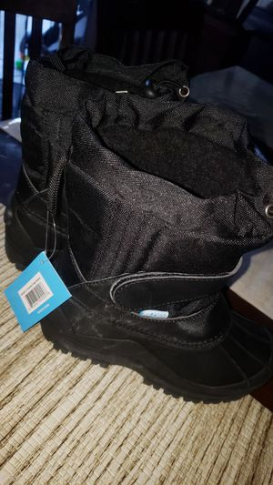 zoggs snow boots triple black for Sale in Santa Ana, CA