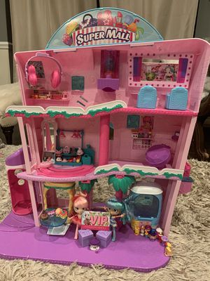 Shopkins Super Mall with 55 Shopkins and two dolls. $70 obo. for Sale in Sarasota, FL