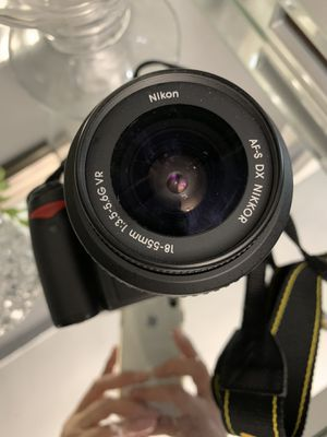 Nikon D3000 for Sale in The Bronx, NY