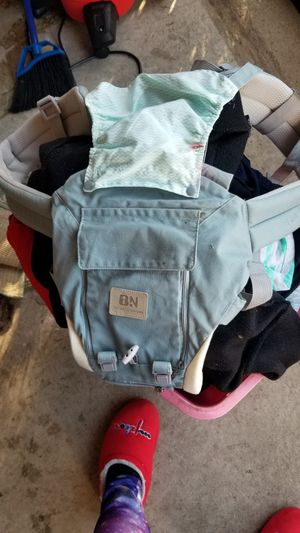 Baby carrier with zipper seat for Sale in Columbus, OH
