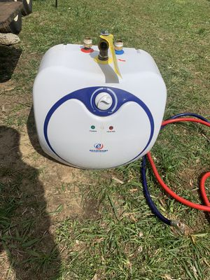 Eccotemp Water heater for Sale in Middleborough, MA