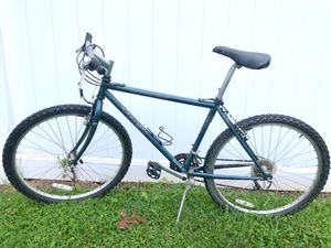 Trek 850 Mountain Bike (Bicycle) for Sale in Springfield, VA