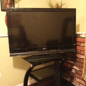 45 Inch Tv With Remote for Sale in Waterbury, CT