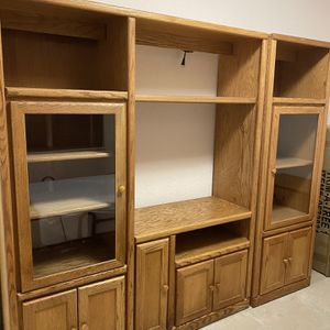 2pc Entertainment Center with Lights for Sale in Hialeah, FL