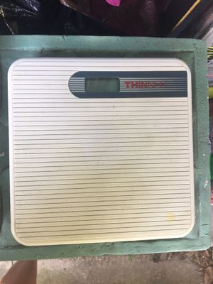Bathroom scale for Sale in Tampa, FL