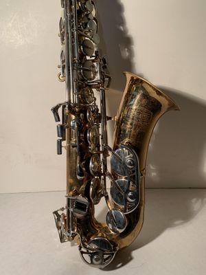 BUNDY Alto Saxophone with case and accessories for Sale in Marysville, WA