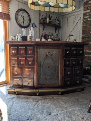 Old world style solid wood bar for Sale in Cherry Hill, NJ