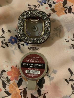 Bath and Body Works Car Fragrance Clip and Refill for Sale in Los Angeles, CA