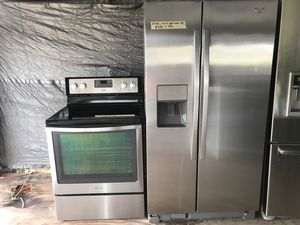 Whirlpool Stove, and refrigerator set for Sale in Winter Haven, FL