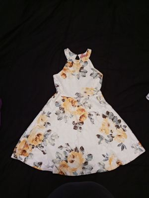 Girls white floral dress for Sale in Houston, TX