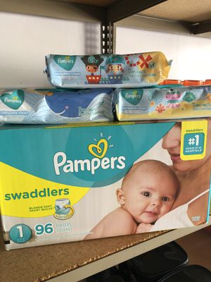 Pampers swaddlers size 1 bundle for Sale in Moreno Valley, CA