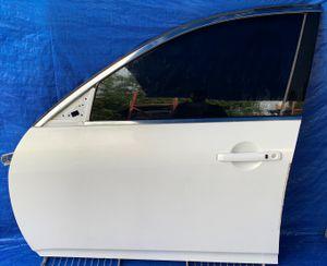 2007 - 2015 INFINITI G35 G37 G25 Q40 FRONT LEFT DRIVER SIDE DOOR WHITE for Sale in Fort Lauderdale, FL