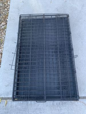 Dog kennel - Dog kennel/Crate with Divider and removable tray for Sale in Las Vegas, NV