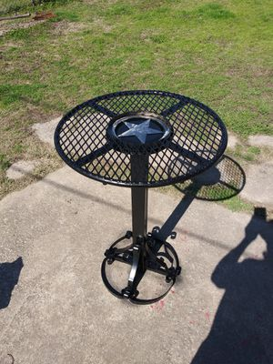 2 bar stools, Table for Sale in Dallas, TX