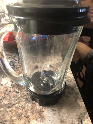 Free containers and blender glass for Sale in Stockbridge, GA