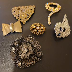 Six Vintage Brooches for Sale in Albuquerque, NM