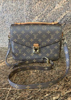 Louis Vuitton Pochette Métis Monogram Crossbody Bag WD1188 for Sale in El Paso, TX