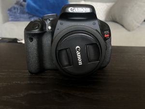 Canon Rebel t3i with two canon lenses and two batteries for Sale in San Diego, CA