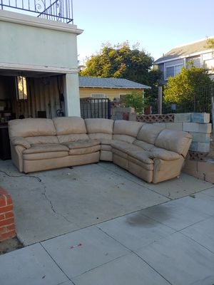 Free couch with pullout bed for Sale in Long Beach, CA