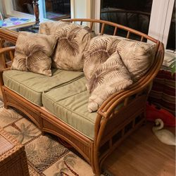 Wicker Loveseat And End Table for Sale in Canonsburg,  PA