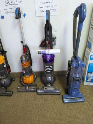 Dyson dc65 Animal upright vacuum for Sale in Phoenix, AZ