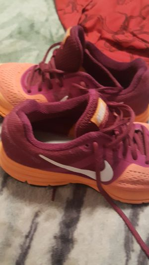 Nike size 7 women for Sale in Avondale, AZ