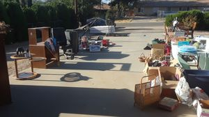Garage sale for Sale in Hesperia, CA