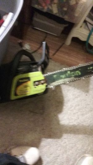 Poulan chainsaw for Sale in Portland, OR