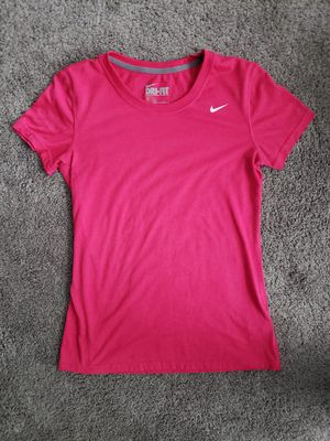 NWOT hot pink nike shirt for Sale in Brick Township, NJ