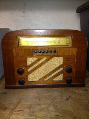Philco Antique Radio for Sale in Sarasota, FL