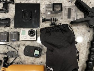 GoPro Hero 3+ Plus Much More for Sale in Poway,  CA