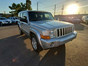 2006 Jeep Commander 3RD ROW SEAT CLEAN CARFAX for Sale in Phoenix, AZ