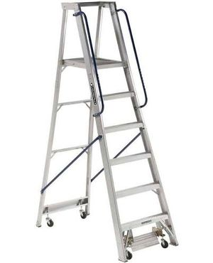 1 Louisville ap5010 ladder for Sale in Miami Beach, FL