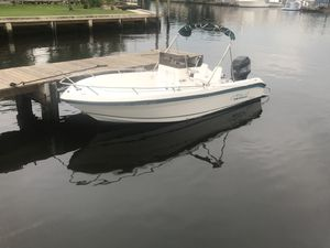 Robalo 21 with a Mercury 200 for Sale in Hialeah, FL