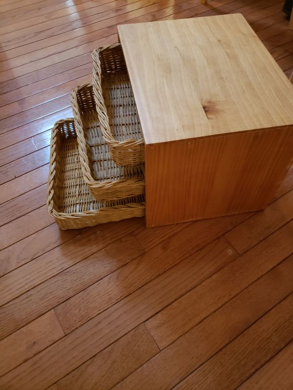 Storage boxes with straw baskets