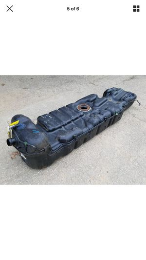 Fuel tank with fuel pump complete for 1999 to 2007 Chevy gmc Cadillac hummer for Sale in San Fernando, CA