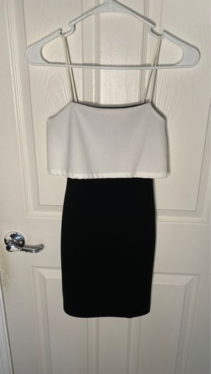 B&W Tight Dress Pretty Little Thing for Sale in Nuevo, CA