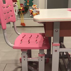 Kids Desk (age 4-10) In Blue for Sale in Los Angeles, CA